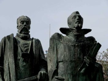 Statue of Johannes Kepler and Tycho Brahe in Prague