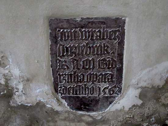 Tombstone fragment at Emauzy